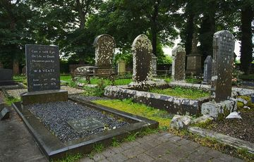 Thumb_wb_yeats_grave_co_sligo__tourism_ireland_