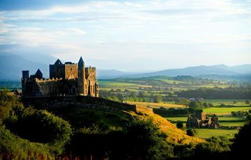 Thumb_rock_of_cashel__tourism_ireland_