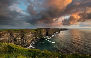 Thumb_cliffs_of_moher_clouds__tourism_ireland_