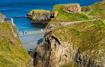 Thumb_carrick-a-rede_rope_bridge-__tourism_ireland_
