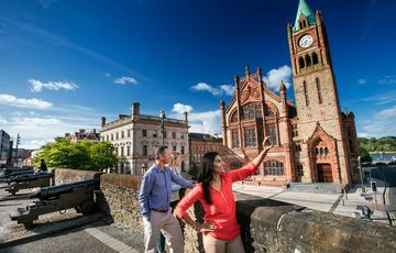 Thumb_guildhall-derry-tourism-ireland